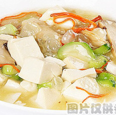 雪莲子松茸烩豆腐的做法