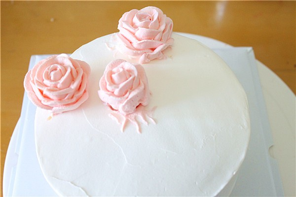 玫瑰生日蛋糕的做法图片