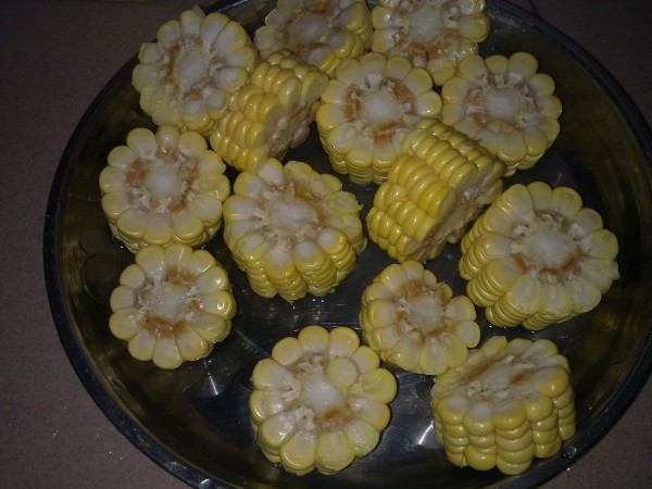 玉米红萝卜排骨汤Ye.jpg
