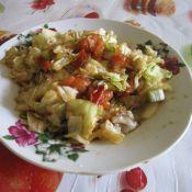 西红柿炒圆白菜的做法