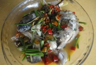 红辣椒鱼头的做法