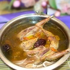 枸杞红枣炖乳鸽的做法