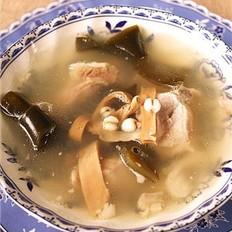 扭结海带排骨汤的做法