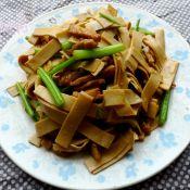 豆腐皮炒芹菜的做法