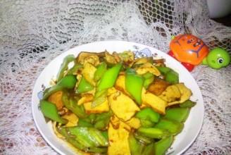 香干青椒的做法