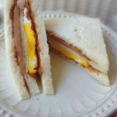 鸡蛋肉松三明治的做法