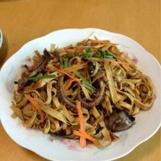 豆腐皮炒章鱼的做法
