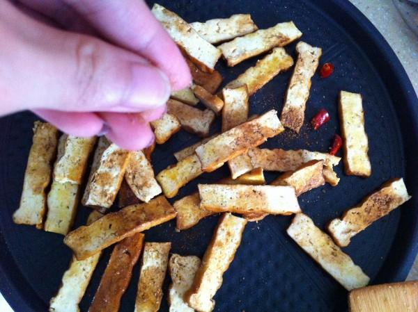 烧烤香干的做法【步骤图】_菜谱_美食杰