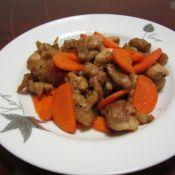 胡萝卜炒鸡的做法