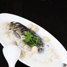 莲子鲫鱼汤的做法