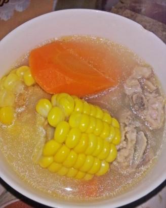 玉米红萝卜排骨汤的做法