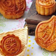 莲蓉双蛋黄月饼的做法