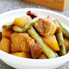 土豆花肉炖豆角的做法