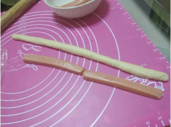 茶粉香肠面包kL.jpg