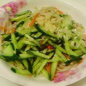 金针菇黄瓜拌胡萝卜丝
