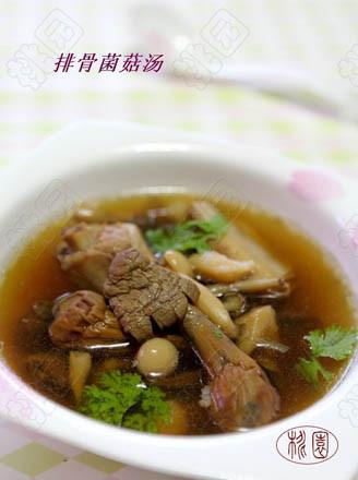 排骨菌菇汤的做法