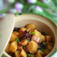 五花肉炖土豆的做法