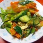 鸡蛋炒青椒黄瓜片的做法