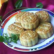 台式莲蓉蛋黄月饼的做法