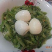 熟鸡蛋煮苦瓜的做法