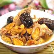 猪骨淡菜红枣汤的做法