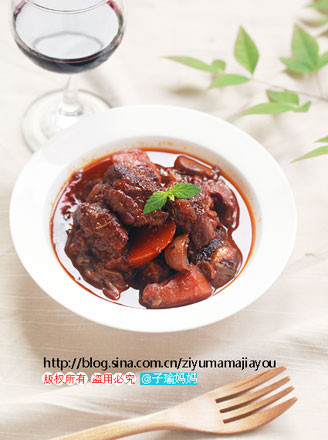 红酒炖牛肉的做法