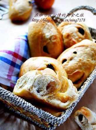 红糖葡萄干面包的做法