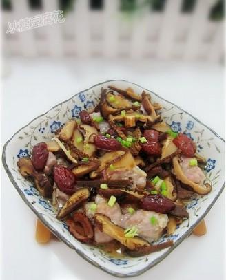 冬菇红枣蒸排骨的做法