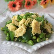 青椒毛豆炒鸡蛋的做法