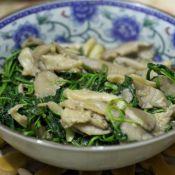 荠菜炒蘑菇的做法
