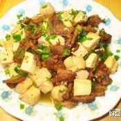 豆腐炒肉的做法