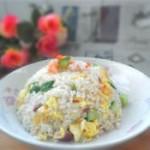 鲜虾黄瓜蛋炒饭的做法