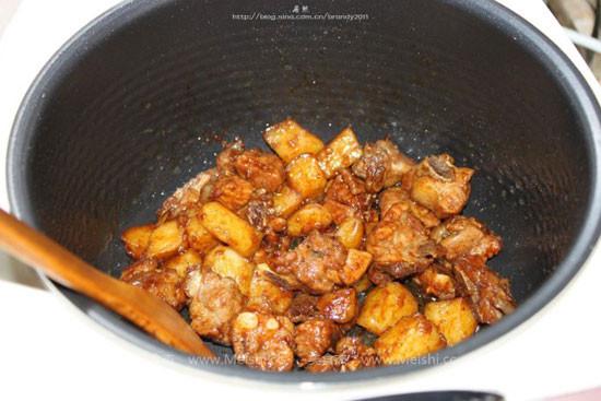 土豆焖排骨pj.jpg