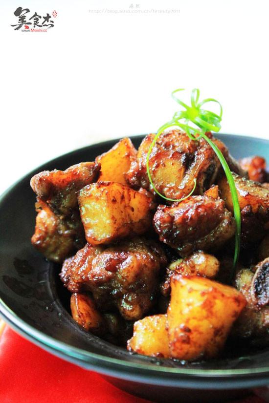 土豆焖排骨hT.jpg