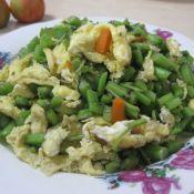苋菜梗炒鸡蛋