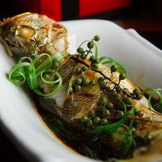 青花椒蒸鱼 的做法