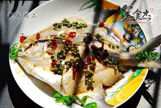 青花椒蒸鱼的做法【步骤图】_菜谱_美食杰