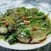 裙带菜清蒸剁椒黄花鱼