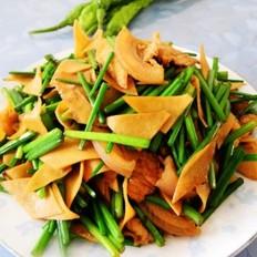 韭苔千张炒肉片的做法