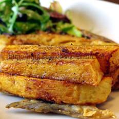 炸比目鱼配薯条的做法