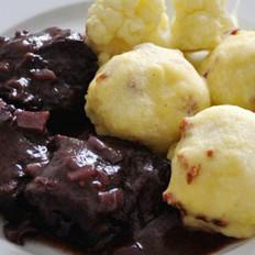 红酒醋焖牛肉与土豆泥丸子的做法