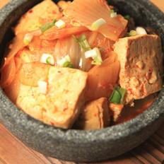 泡菜炖豆腐的做法