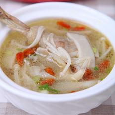 菌菇炖鸡汤 的做法