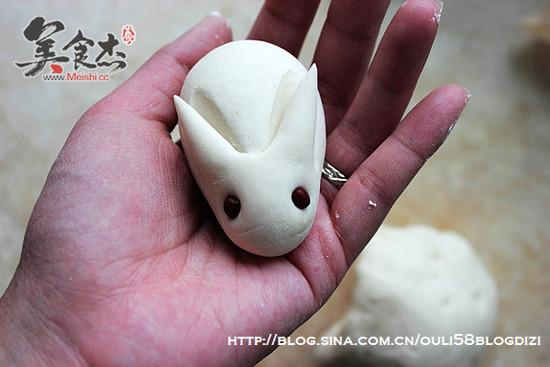 揉兔子可爱图片