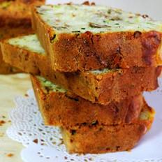 绿皮西葫芦果仁松饼的做法