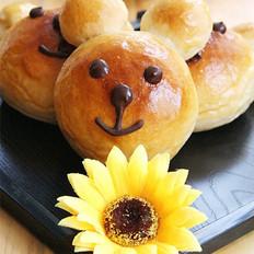 鲜奶油小熊面包
