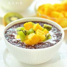 椰香黑米水果粥的做法