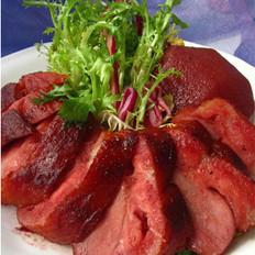 烟熏鸭脯肉红酒梨的做法