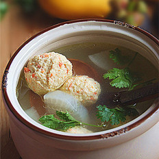 胡萝卜鸡丸汤