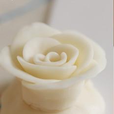 白色巧克力玫瑰花的做法